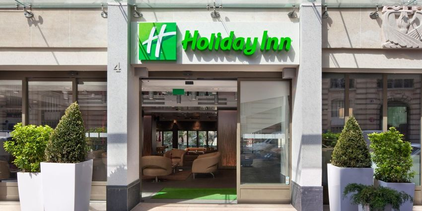 Large holiday inn paris 2532466306 2x1