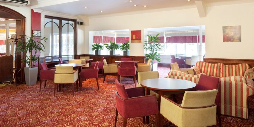 Large holiday inn ipswich 2532077894 2x1
