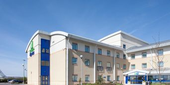 Thumb holiday inn express cardiff 2533062286 2x1