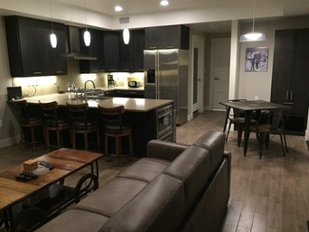 Thumb large kitchen and dinning and hallways