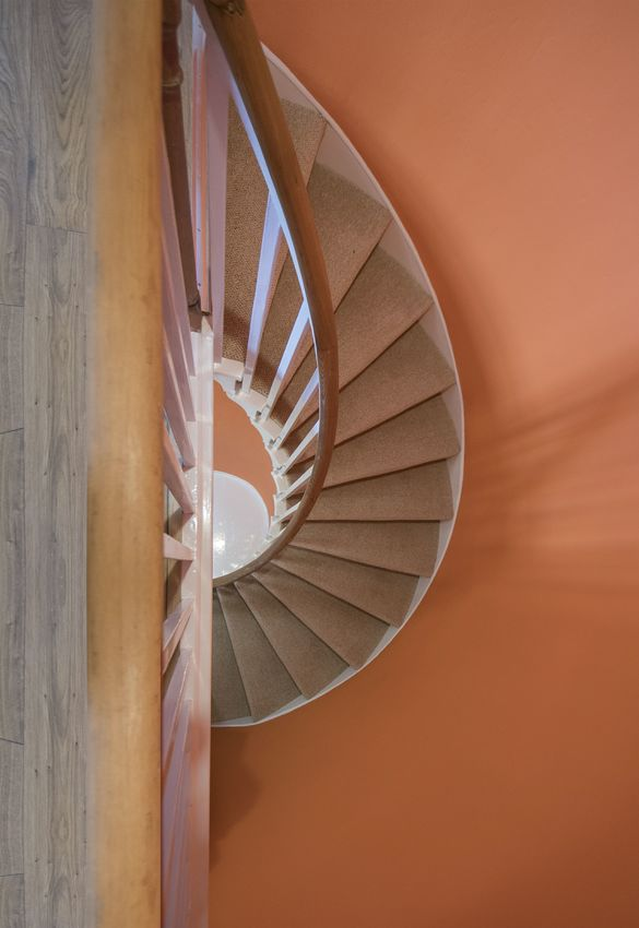 Large the moat house annan   feature staircase