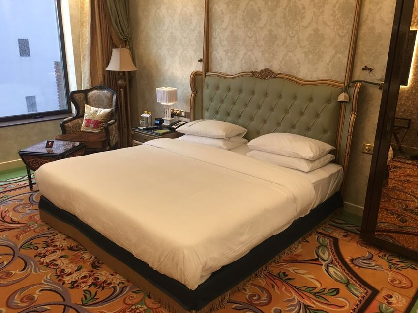 Large low rise bed