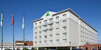 Thumb holiday inn basildon 2533375434 2x1